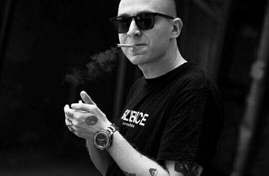 Курит ли Оксимирон или нет? Oxxxymiron бросает курить. Рост Оксимирона.
